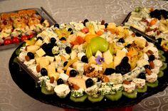 Platou de branzeturi si fructe