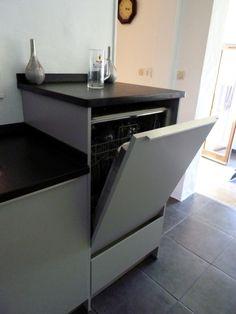 Lave-vaisselle en hauteur marque Shcüller