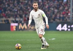 Daniele De Rossi of Roma in action during the Serie A match between Genoa CFC and AS Roma at Stadio Luigi Ferraris on January 8, 2017 in Genoa, Italy.