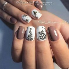 Nice 47 Cute Christmas Nail Art Ideas To Boost Your Mood. Nice 47 Cute Christmas Nail Art Ideas To Boost Your Mood. Nail Noel, Xmas Nail Art, Cute Christmas Nails, Christmas Nail Art Designs, Xmas Nails, Fall Nail Designs, Holiday Nails, Christmas Ideas, Christmas Glitter