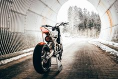 The LOON Cycleworks Husqvarna 501 Tracker is a sleek and lightweight custom beast ready to rip up the pavement and dirt. Bobber Custom, Custom Cafe Racer, Cafe Racer Build, Custom Bikes, Tracker Motorcycle, Cafe Racer Motorcycle, Motorcycle Design, Motor Scrambler, Ktm Dirt Bikes
