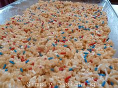 Simply Designing: 4th of July Rice Krispie Treats--Gonna make these for my daughters preschool classmates. And use star shaped cookie cutters!