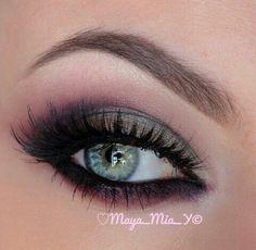 that eye colour....