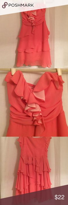 Short cocktail dress Coral flowy cocktail dress, very comfortable fits well and isn't tight Dresses Strapless