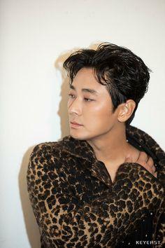 Korean Actors, Pearl Earrings, Pearls, Jewelry, Fashion, Moda, Pearl Studs, Jewels, Fashion Styles
