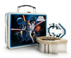 Star Wars tin lunchbox and sandwich cutters