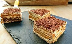 Gâteau courant d'air - Page 3 sur 3 - Tasties Foods No Cook Desserts, Delicious Desserts, Yummy Food, Deli Food, Biscuits, No Bake Cake, Sweet Recipes, Lunch Recipes, Love Food