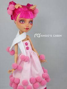 Custom Howleen on Ebay http://www.ebay.com/itm/Monster-High-Repaint-Custom-OOAK-Sweet-and-Lovely-Candy-by-Mangos-Cabin-/231113923370?pt=LH_DefaultDomain_0&hash=item35cf769b2a