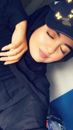 Cute Girl Face, Cute Girl Photo, Girl Photo Poses, Girl Photography Poses, Girl Photos, Hijabi Girl, Girl Hijab, Baby Hijab, Bts Wallpaper