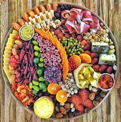 Ideas For Fruit Party Platters Antipasto Charcuterie And Cheese Board, Charcuterie Platter, Antipasto Platter, Cheese Boards, Crudite Platter Ideas, Meat Platter, Party Food Platters, Cheese Platters, Cheese Table