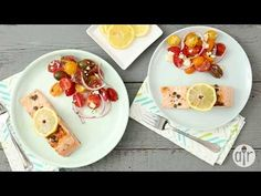 Simply seasoned with salt and pepper, these salmon fillets are pan seared with capers, and garnished with slices of lemon. Capers give this dish a pop of sal. Best Seafood Recipes, Salmon Recipes, Fish Recipes, Dessert Sans Gluten, Cassoulet, New Year's Cake, Pan Seared Salmon, Quick Easy Dinner, Mediterranean Dishes