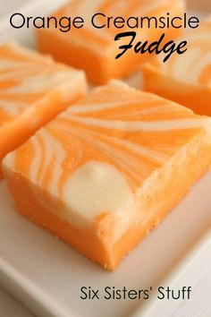 Fudge is one of the most amazing desserts. Perfect for Christmas time as a gift! Here are 52 fudge desserts - one for each week of the year! Köstliche Desserts, Delicious Desserts, Yummy Food, Health Desserts, Orange Creamsicle Fudge Recipe, Orange Fudge Recipes, Orange Cream Fudge Recipe, Orange Extract Recipes, Fudge Recipes