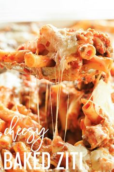 This easy Baked Ziti recipe includes sausage and tons of cheese! It's perfect for feeding a crowd and can easily be prepared ahead of time.This is, hands down, the BEST baked ziti recipe and it's guaranteed to become a staple at your family dinners! Easy Baked Ziti, Baked Ziti With Sausage, Baked Ziti With Ricotta, Sausage Pasta Bake, Baked Penne, Turkey Sausage, Pastas Recipes, Cooking Recipes, Recipes Dinner
