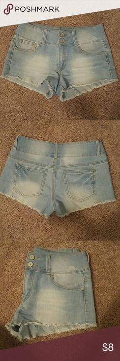 SALE ON SUMMER ITEMS!!??? Charlotte Russe Refuge Size 6 Mid-rise cheeky shorts refuge Shorts Jean Shorts