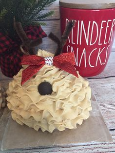 Diy Whipped Cream, Fake Food, Tole Painting, Craft Materials, Cupcake Toppers, Clay, Baking, Christmas Ornaments, Mugs