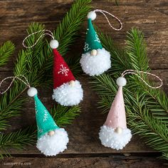 10 DIY Holiday Decorations That Will Make Your Christmas Tree Look Stunning This Year. The best handmade Christmas decoration ideas including easy Christmas crafts Handmade Christmas Decorations, Diy Christmas Ornaments, Homemade Christmas, Simple Christmas, Christmas Projects, Holiday Crafts, Christmas Ideas, Christmas Pom Pom Crafts, Scandinavian Christmas Ornaments