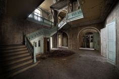 Abandoned Wonka's mansion in Munich, Germany.  The mansion was once owned by the boss of a large chocolate factory. The factory and a large amount of other buildings in this German town is now deserted and abandoned. (by [AndreasS], via Flickr)