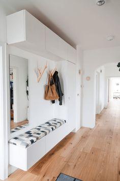Foyer Design, Entrance Design, House Design, Modern Entrance, Fall Entryway, Entryway Decor, Entryway Ideas, Entry Hall, Bungalows
