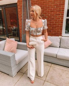 Wanted to save this outfit for my summer holiday buuut I'm just too excited because it's so cute 💁🏼♀️ Who's been here since I used to post… Black Girl Fashion, Look Fashion, Holiday Outfits, Spring Outfits, Casual Summer Evening Outfit, Summer Brunch Outfit, Weekend Outfit, Classy Outfits, Stylish Outfits