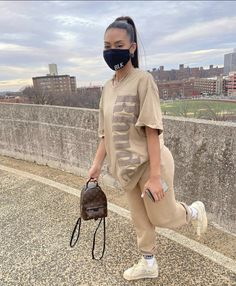 Baddie Outfits Casual, Cute Swag Outfits, Chill Outfits, Dope Outfits, Teen Fashion Outfits, Classy Outfits, Tomboy Fashion, Streetwear Fashion, Baggy Pants