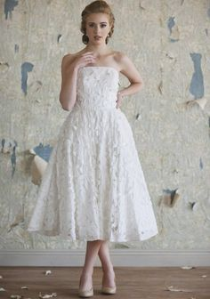 I LOVE this. I would totally do a vintage inspired dress.