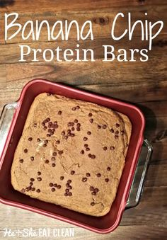 These bars look and taste like cookie cake! You won't believe that you are actually eating a protein bar. Clean Eat Recipe: Banana Chip Protein Bars #eatclean #protein #weightwatchers #heandsheeatclean