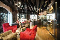 Hochzeitsreise in Österreich verbringen Ski Equipment, Hotels, Whirlpool Bathtub, Bar Lounge, Smoking Room, Loewe, Housekeeping, Wi Fi, Furniture