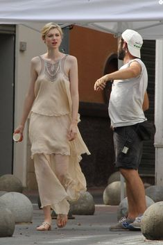 """Elizabeth Debicki, on the set of""""The Night Manager"""", June 5, 2015.(click the image for extremely high-res photo.)"""