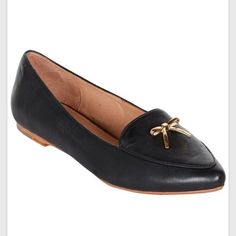"""HP  Joie """"Babette"""" smoking flats An elegant, ladylike loafer in black leather with a sweet little gold metal bow embellishment. Worn twice; just a little big for me to keep. Hopefully someone can enjoy these adorable shoes instead! (Marked as 38.5 - would best fit a size 8) joie Shoes Flats & Loafers"""