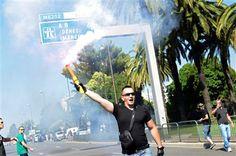 Taxistas franceses cortam acesso a aeroportos e comboios em protesto contra Uber