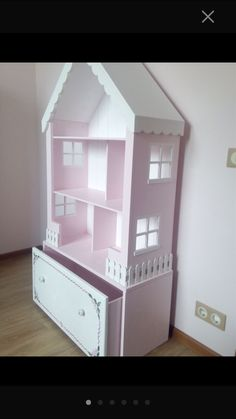 New doll house plans projects dollhouse bookcase Ideas Dollhouse Bookcase, Diy Dollhouse, Dollhouse Furniture, Girls Dollhouse, Miniature Dollhouse, Barbie Furniture, Kids Furniture, Girls Bedroom, Bedroom Decor