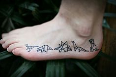 A little tribe of origami dinos! This might just be the tattoo dream