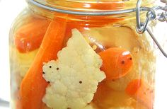 Cauliflower and Carrot Pickles