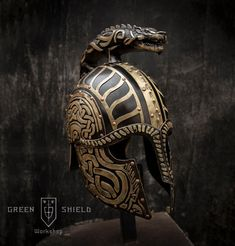 Turin's Helmet Dragon-helm of Dor-lómin Custom Motorcycle Helmets, Custom Helmets, Vikings, Green Shield, Ducati Monster Custom, Wooden Beer Mug, Ancient Armor, Armadura Medieval, Blacksmith Projects