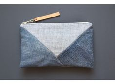 I love the design of this bag, I'm getting great ideas for my future sewing machine
