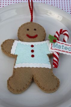 Etsy Transaction - Personalized Felt Gingerbread Cookie Ornament Aqua And Red Felt Christmas Ornaments, Christmas Gingerbread, Noel Christmas, All Things Christmas, Christmas Place, Christmas Projects, Felt Crafts, Holiday Crafts, Felt Projects