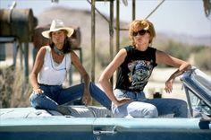 Susan Sarandon and Geena Davis Reunite to Reminisce About Brad Pitt's Thelma & Louise Scenes Thelma Louise, Susan Sarandon, Geena Davis, Halloween Costume Teenage Girl, Halloween Costumes, Felicity Jones, Kate Winslet, Brad Pitt, Vanity Fair