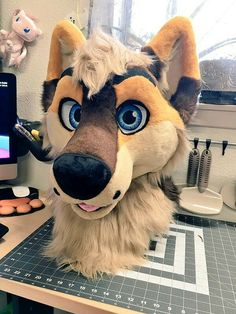 Quick snaps of @Xavierwolfy 's finished head :D #fursuit