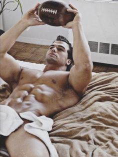 Jed Hill...uh yum!!!
