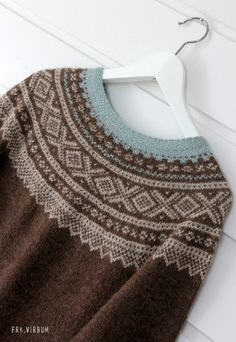 You might say this is a Hermione-inspired sweater, but technically, she is a Weasley by the end of the book series. Knitting Charts, Hand Knitting, Fair Isle Pattern, Fair Isle Knitting, Knitting Accessories, Knitwear, Knit Crochet, Knitting Patterns, Vogue