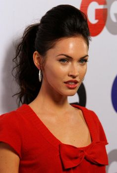 looking for easy and super cute Megan Fox hairstyles? Here are 7 outstanding Megan Fox hairstyles for you. Check out NOW! Formal Hairstyles For Long Hair, Black Ponytail Hairstyles, Long Face Hairstyles, Celebrity Hairstyles, Girl Hairstyles, Quick Hairstyles, Beautiful Hairstyles, Bouffant Hairstyles, Teenage Hairstyles