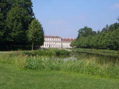 Neues Schloss garden