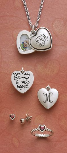 Engraved gifts from James Avery Jewelry #jamesavery I want this with my baby's initials and pic!