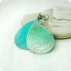 gorgeous blue paisley earrings!