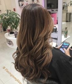 Pin on hair Brown Hair Balayage, Hair Color Balayage, Hair Highlights, Beliage Hair, Hair Day, Balyage Brunette, Brunette Hair, Light Brown Hair, Brown Hair Colors