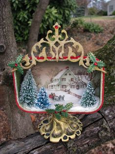 Christmas craft Project: make a miniature Christmas tableau in an altoid tin. Potential Christmas ornament... or part of an DIY Advent Calendar series? Brainstorming.