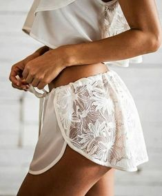 Bombshell Fashion trends and outfits for sale - kleidung - brautmode Sexy Lingerie, Lingerie Bonita, Jolie Lingerie, Lingerie Outfits, Pretty Lingerie, Seductive Lingerie, Lingerie Shorts, Lingerie Models, Body Suit Outfits