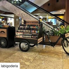 De São José dos Campos essa é a beer bike da @labigoderia #foodbikebrasil #foodbike #cerveja #saojosedoscampos Backyard Cafe, Bicycle Cart, Beer Bike, Bike Food, Portable Bar, Kiosk Design, Coffee Truck, Beer Brands, Beer Festival