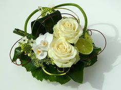 Centre de table - Orchidées, citrons et bambous…  (Mireille Renoir: Créations florales en Alsace)
