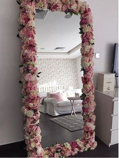 for a little girl's room - Diy decoration - for. So sweet for a little girl's room - Diy decoration - for. So sweet for a little girl's room - Diy decoration - for. Cute Room Decor, Diy Girl Room Decor, Baby Decor, Bedroom Decor Ideas For Teen Girls, Beauty Room Decor, Girs Bedroom Ideas, Diy Crafts Room Decor, Teen Girl Decor, Spa Room Decor